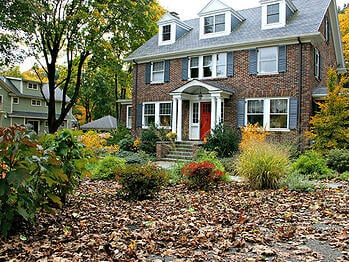 front-yard-fall-landscape