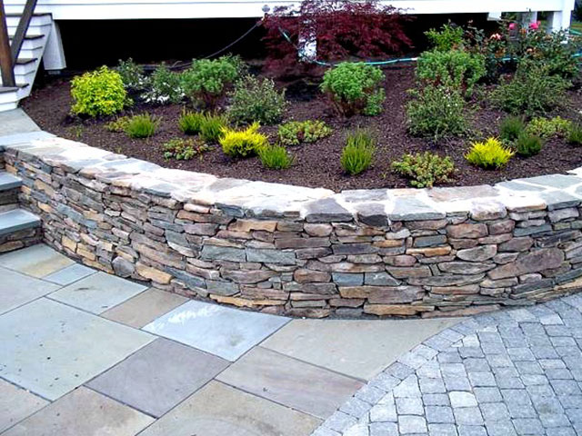 terraced-landscape-with-hardscape