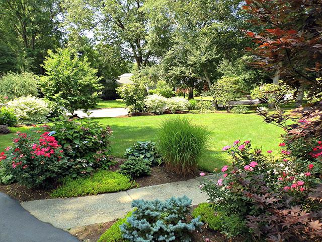 front-entry-garden-1