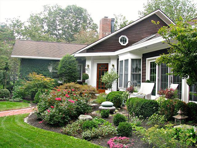 front-entry-garden-2.jpg