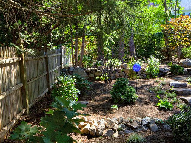 woodland-garden-with-fence.jpg